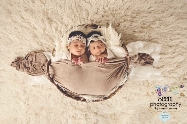Newborn Twins SEEM photography