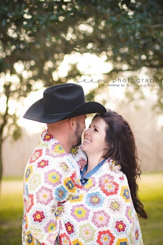 Houston Engagement Photographers SEEM photography Wrapped Blanket