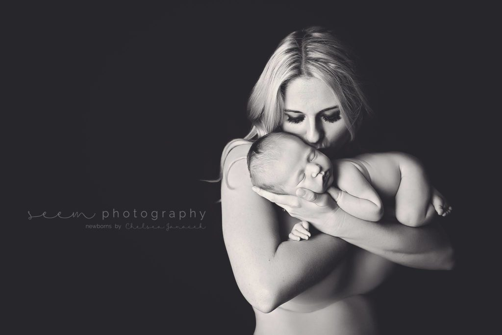 Houston Newborn Photographers SEEM photography Mother B&W