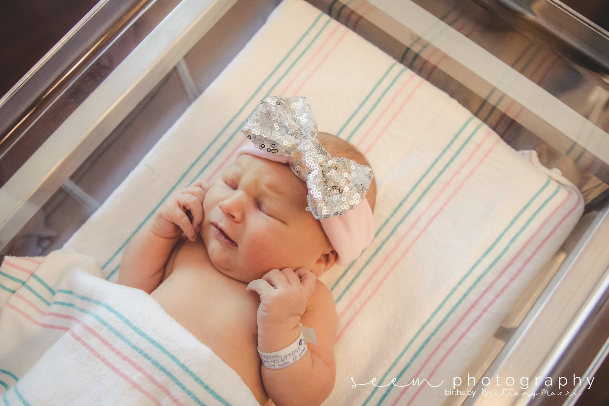 Houston Birth Photographers SEEM photography Newborn in Bed