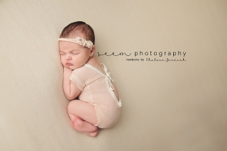 Houston Newborn Photographers SEEM photography Baby White Romper