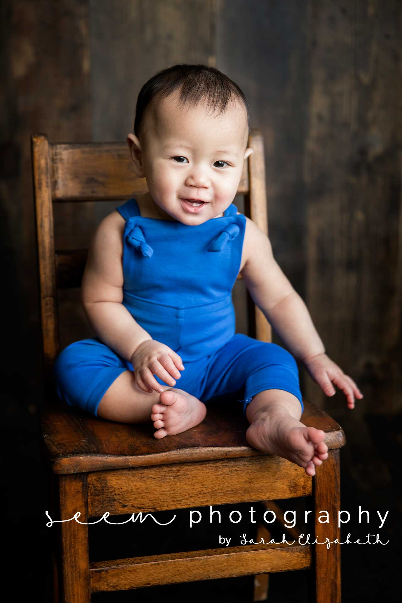 Houston Sitter Photographers SEEM photography Wood Chair
