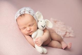 SEEM photography Newborns with a Bunny