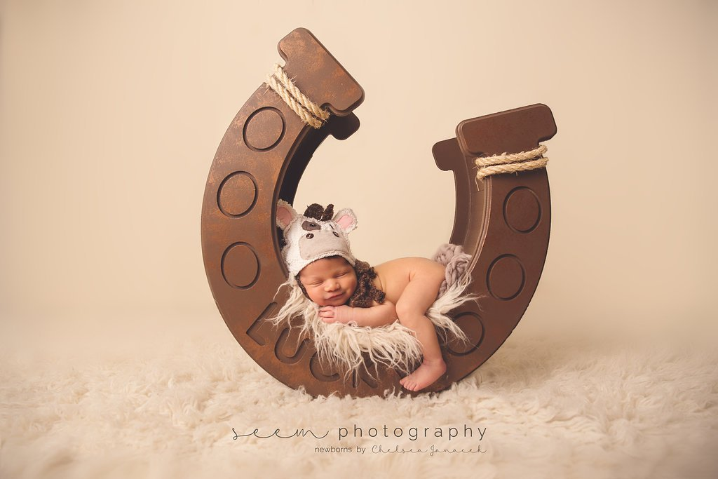 SEEM photography Newborns Lucky Horseshoe