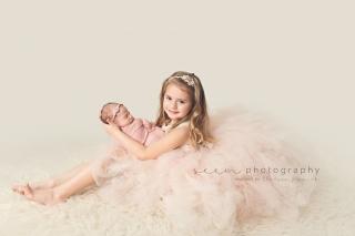 SEEM photography Newborns Sibling in a Dress