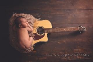 SEEM photography Newborns with a Guitar