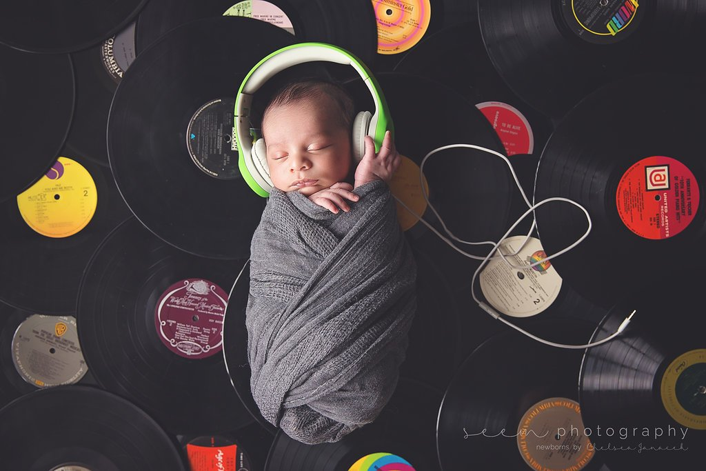 SEEM photography Newborns on Vinyl wearing Headphones