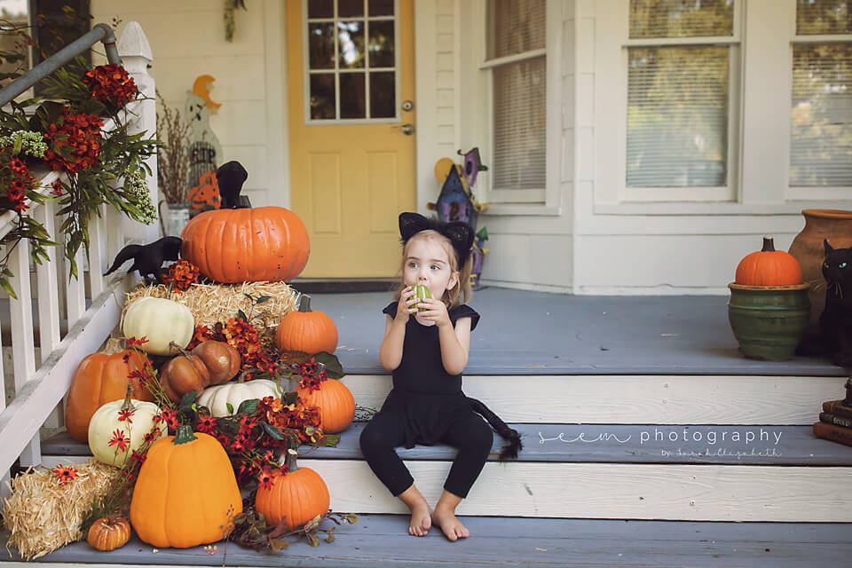 SEEM photography Child with Pumpkins on the Porch
