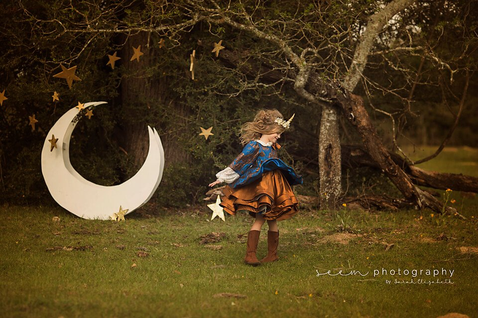 SEEM photography Moon and Dress