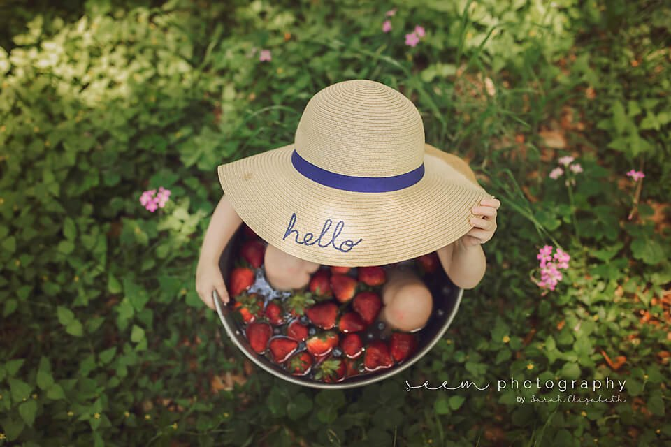 SEEM photography Strawberry Bath with a Hat On
