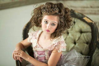 SEEM photography Child in Makeup on Chair