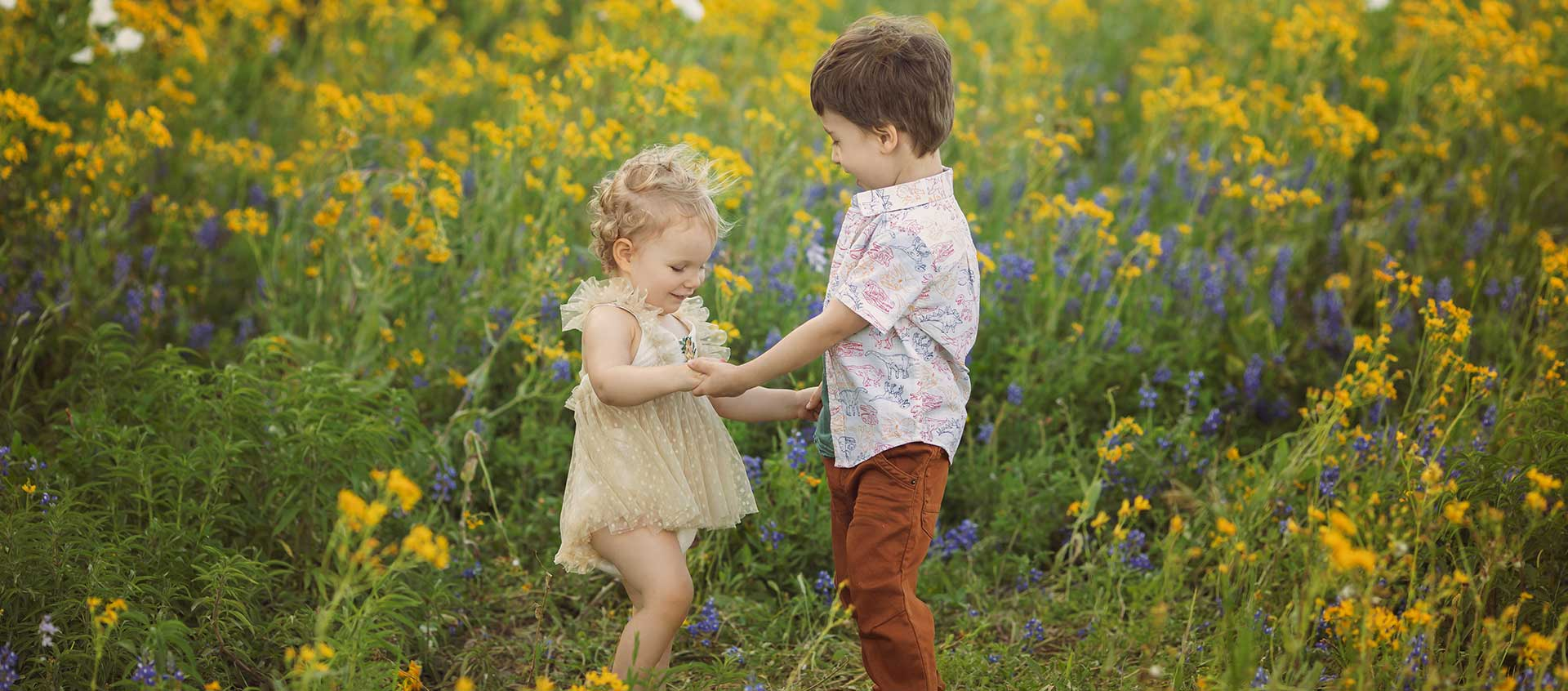 SEEM photography Children in Yellow and Bluebonnet Flowers