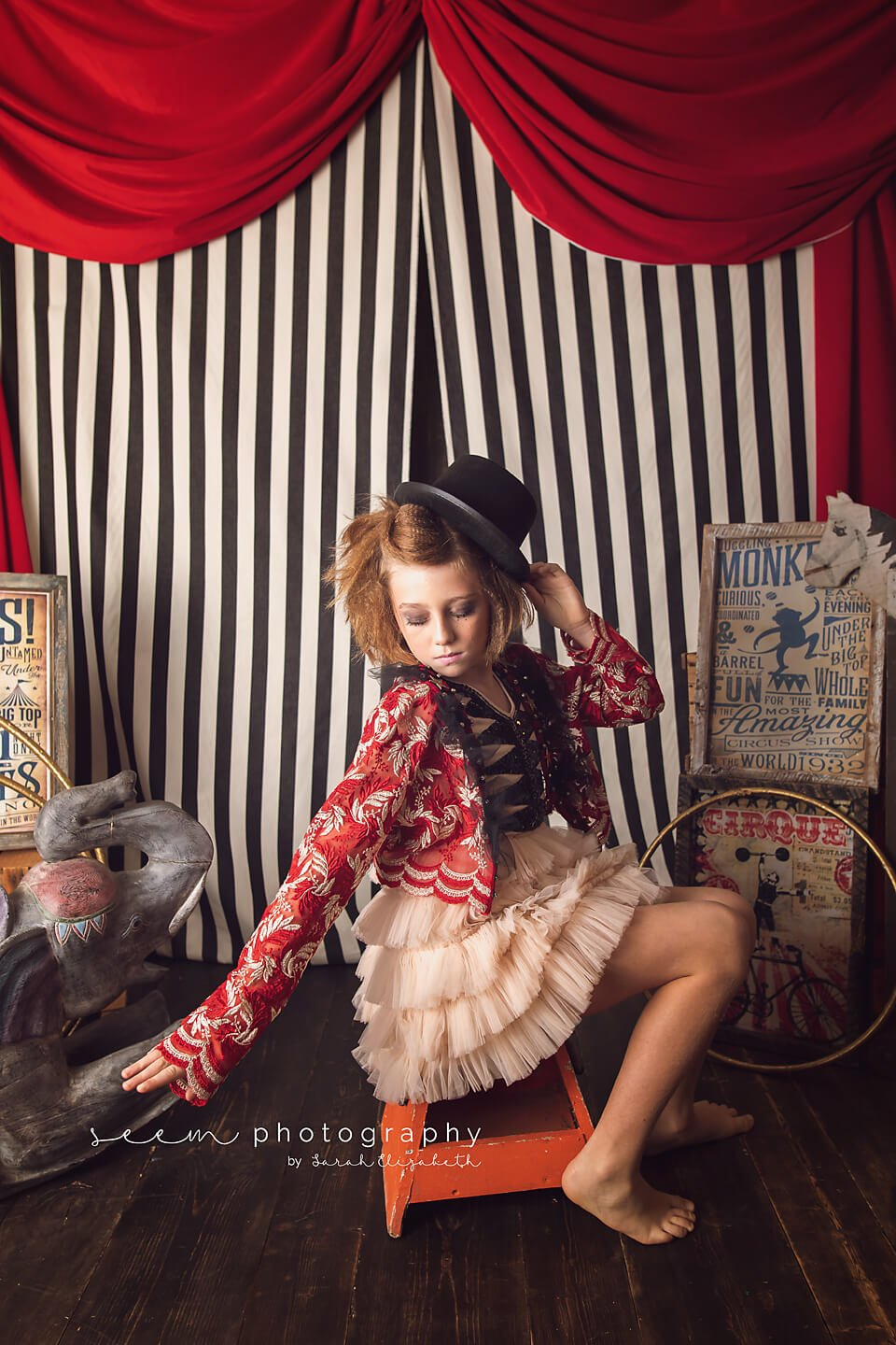 SEEM photography Circus Child with Hat