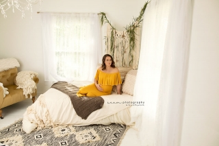 SEEM photography Maternity Mother in Bed