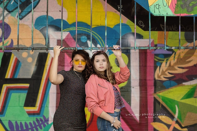 SEEM photography Senior Duo at Graffiti Wall