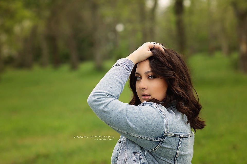 SEEM photography Senior in a Jean Jacket in a Field
